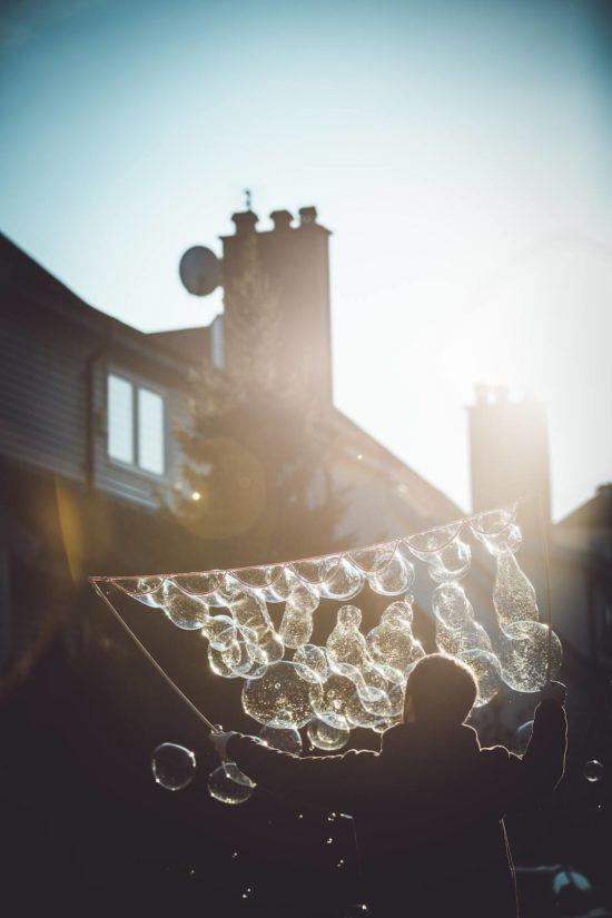 Der Tausendbubbler macht viele Seifenblasen